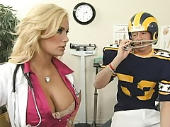 Doctor Shyla Stylez gets a football player with a booboo