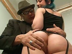 Proxy Paige and her big ass make out